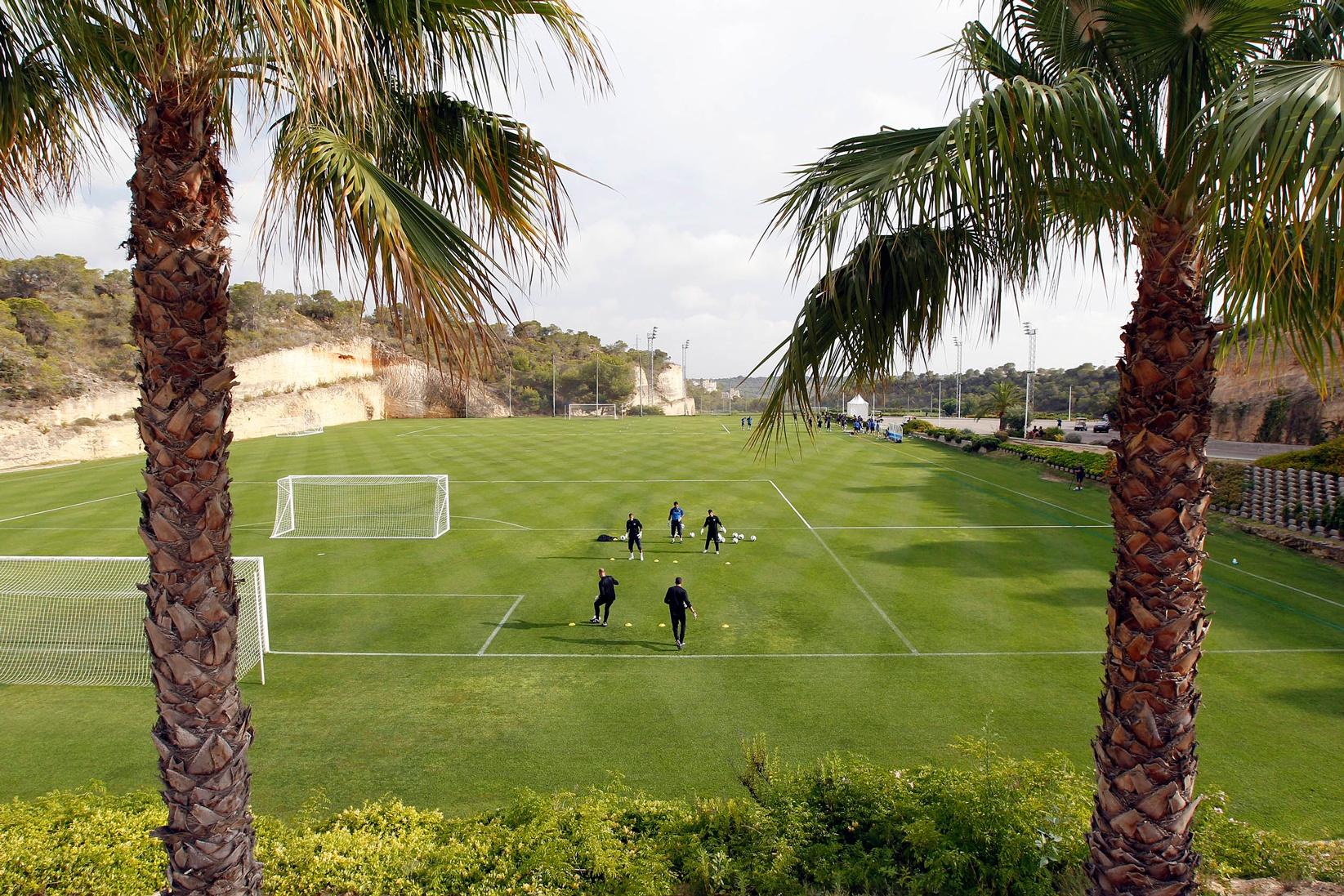 Football pitch n 1